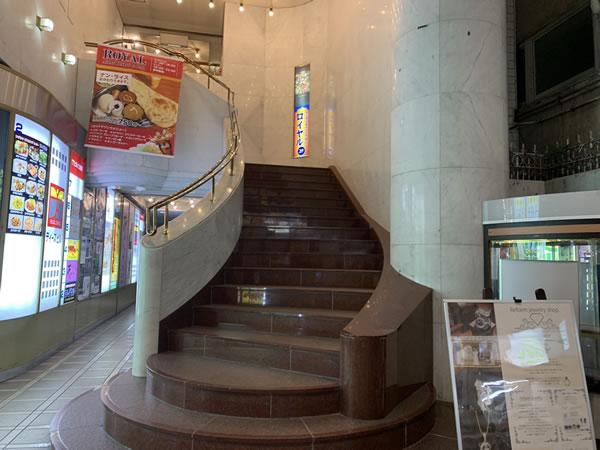ジェムバービーはディーズビル2階